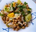 Salade de morue avec pois chiches et pommes de terre