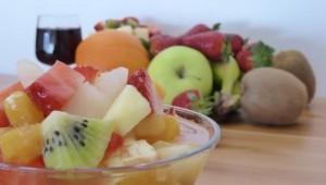 Salade de fruits (avec sauce à l'orange et vin de Porto)