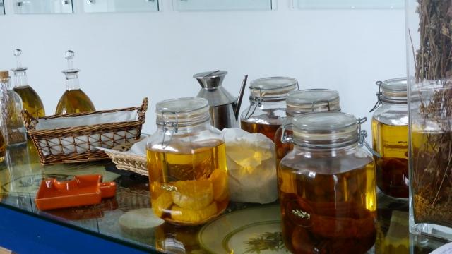 Aliments et épices conservées dans l'huile d'olive