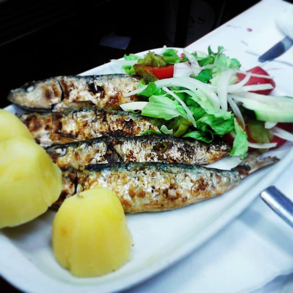 Sardines grillées à la braise