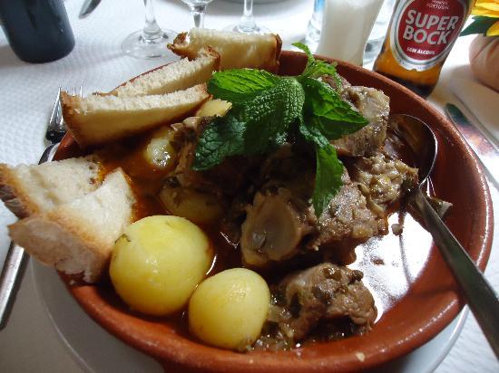 Ragoût d'agneau à la mode du Alentejo (Ensopado de Borrego)
