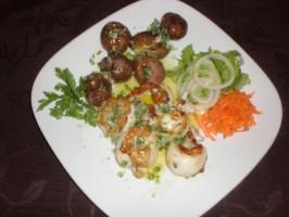 Seiches grillés avec pommes de terre rôties