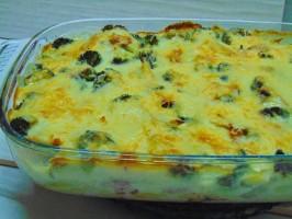 Morue au four avec pommes de terre et brocolis